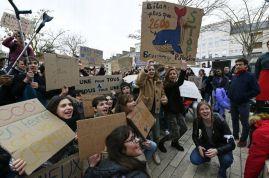 mobilisation-des-lyceens-et-collegiens-pour-la-planete 15-03-19