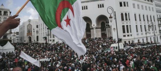 manifestations-poursuivent-algerie-fond-limogeages-symboles-regime-bouteflika-dechu-arrestations
