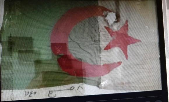 8-mai-1945 drapeau